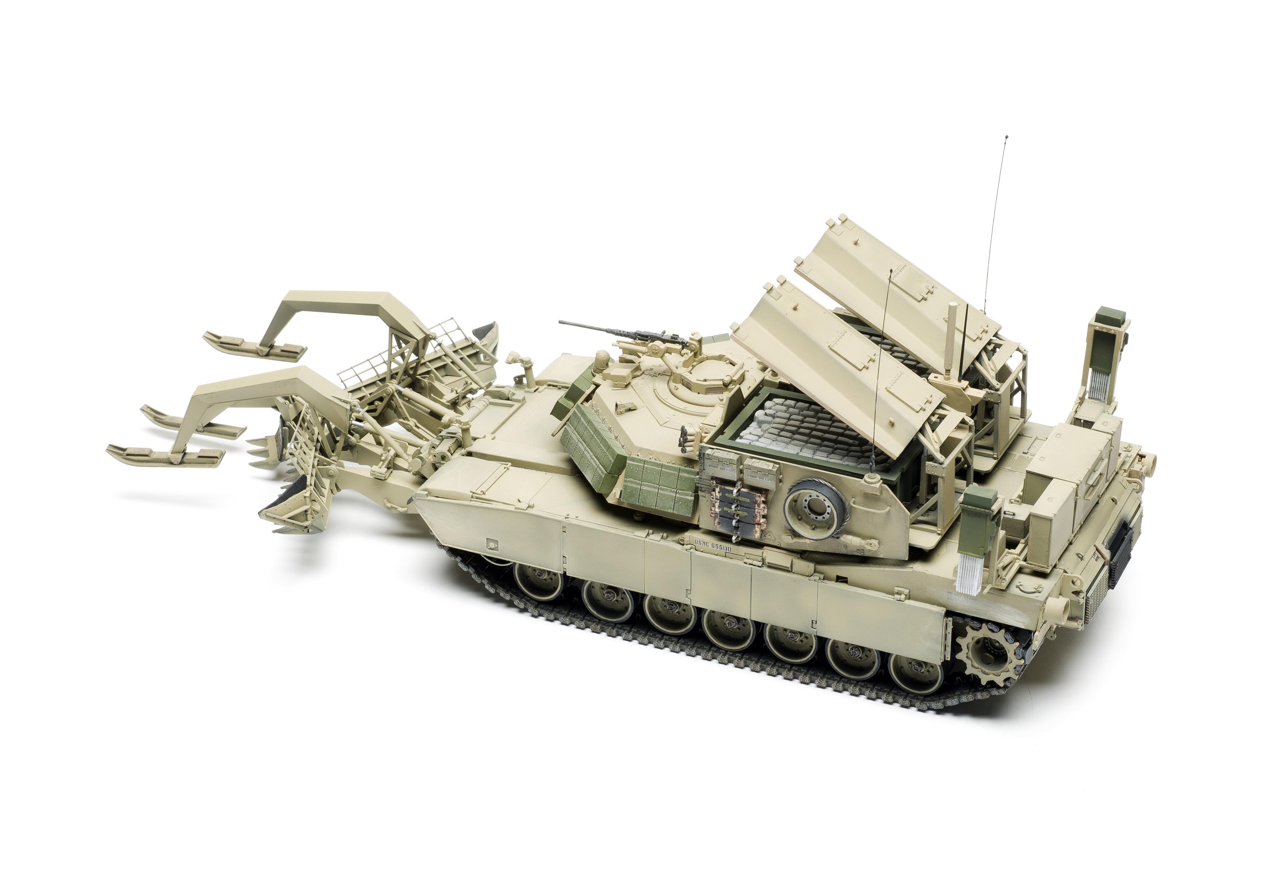 Rye Field Model RFM RM5011 1//35 M1 Assault Breacher Vehicle plastic kit