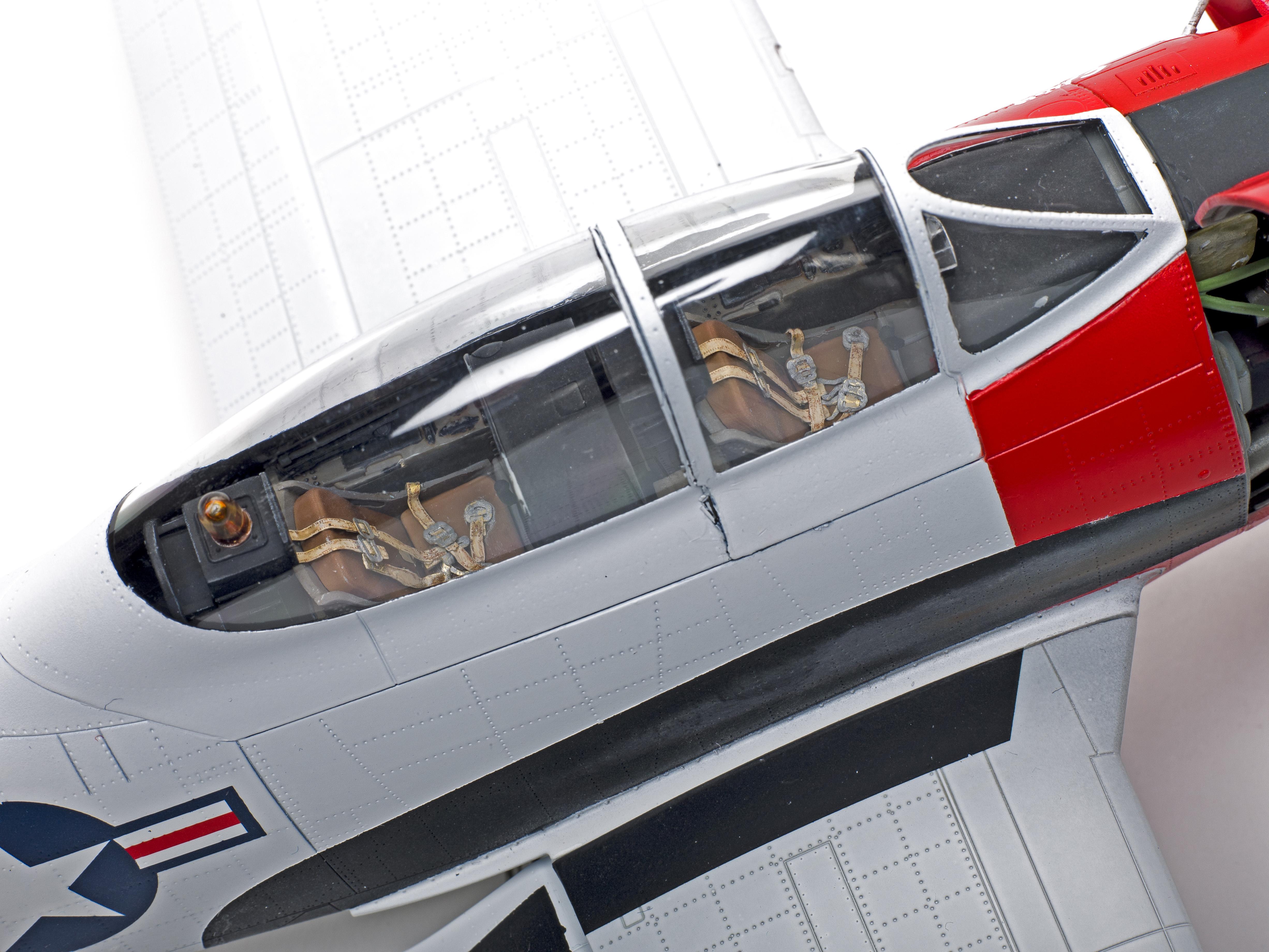 Kitty Hawk KH32015 1:32 T-28C Trojan Model Building Kit