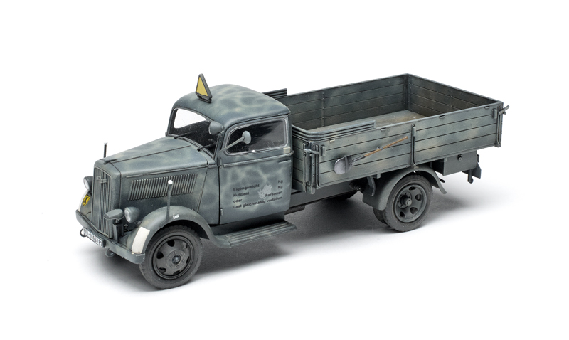 WWII German light Truck in 1:35 1,5to ICM 35401 Typ 2,5-32