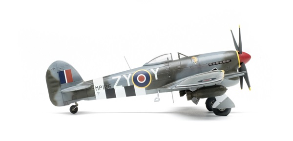 Airfix_Hawker_Typhoon07