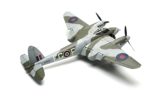 Tamiya 1 48 Mosquito Nf Ii And British Light Utility Car Kit First Look