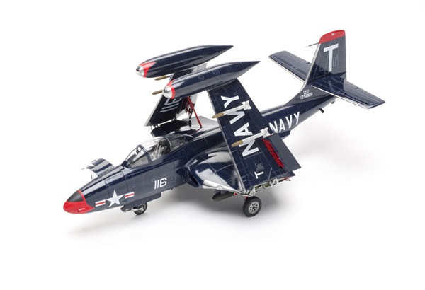 Review of Kitty Hawk blue Banshee scale model aircraft