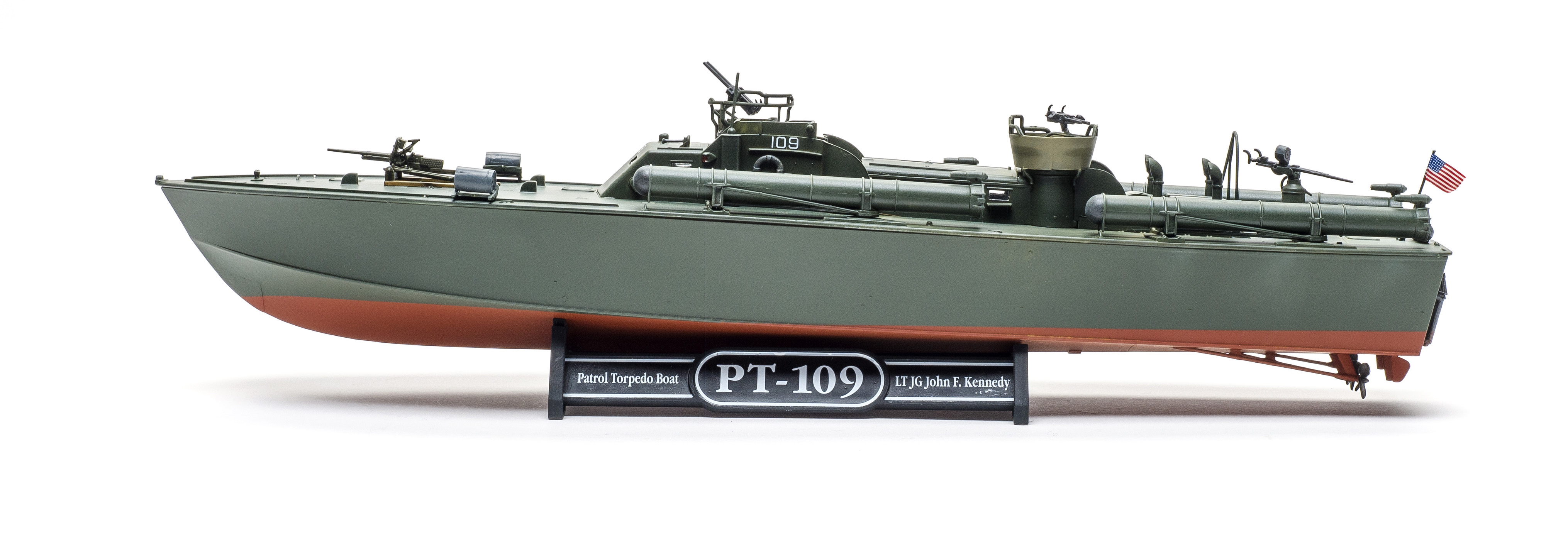 Build review of the Revell PT-109 patrol torpedo boat scale