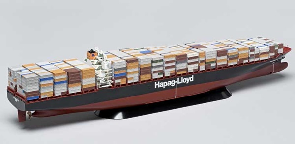 Revell Germany 1/700 scale Container Ship Colombo Express